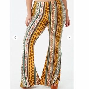 Stretchy Flare Paisley Pants - Forever 21+